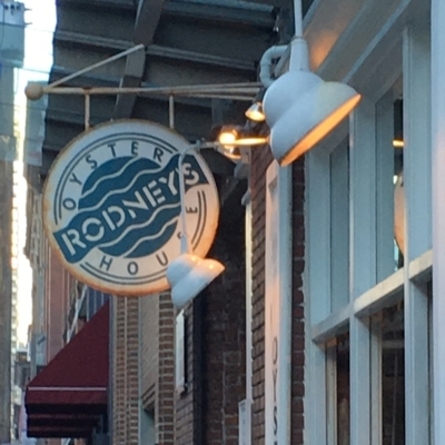 Rodney's Oyster House - Seafood Restaurants - 604-609-0080
