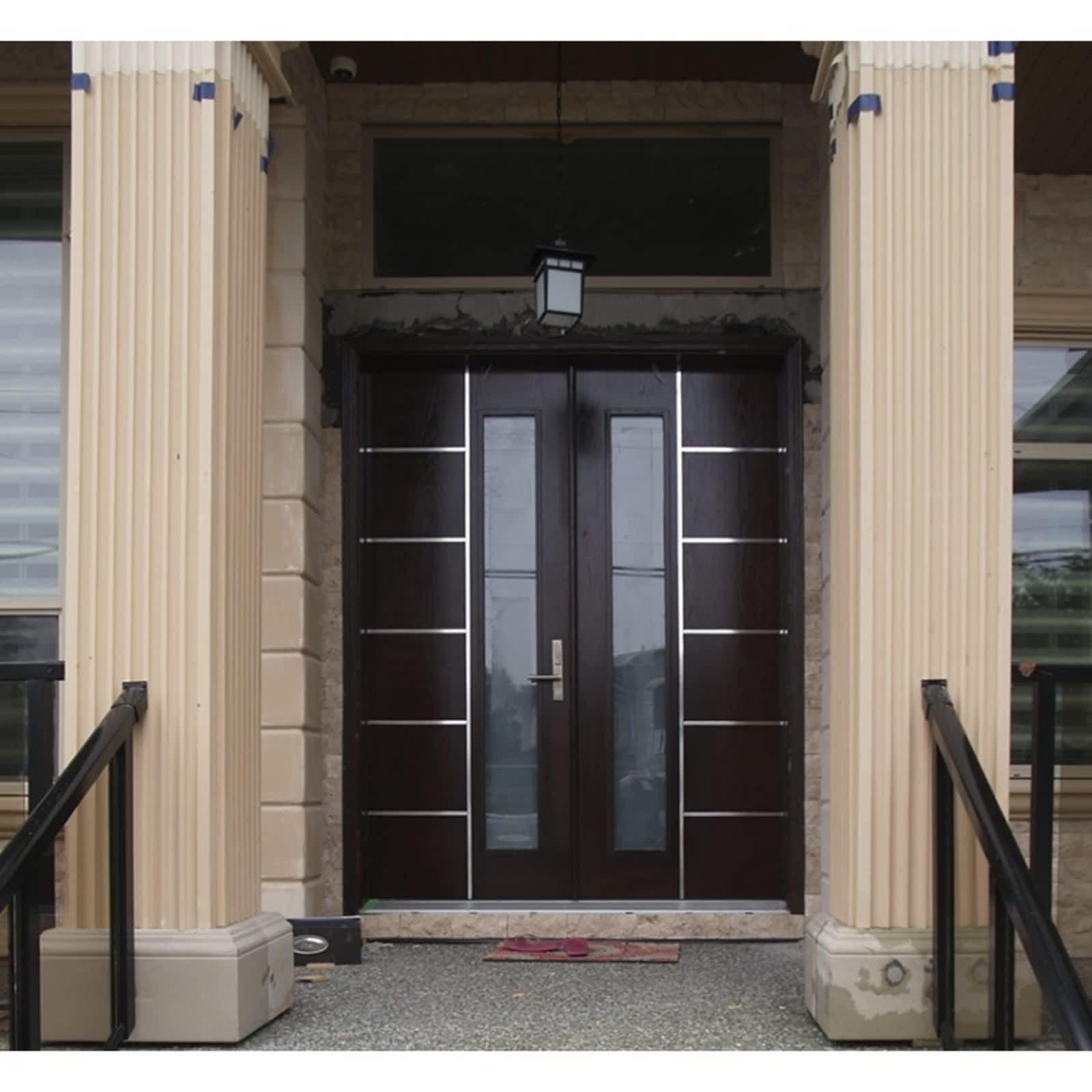 & Distinctive Doors Ltd - Opening Hours - 2-2440 14 Ave Vernon BC