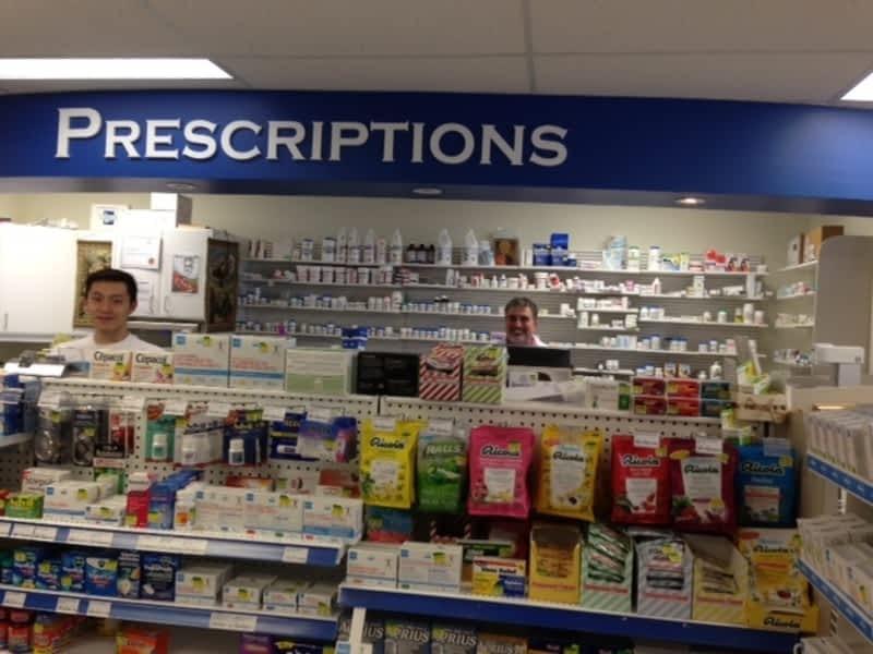 photo Glen George I.D.A. Pharmacy
