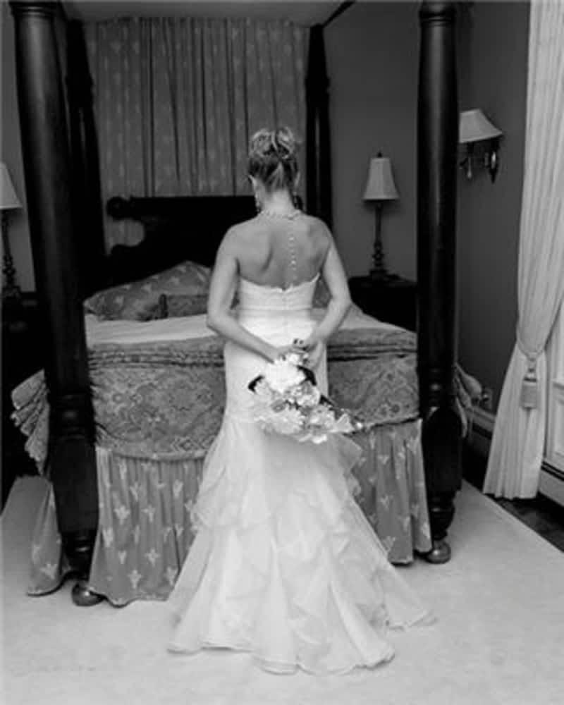 Larisa's Tailors & Wedding Dress Alterations