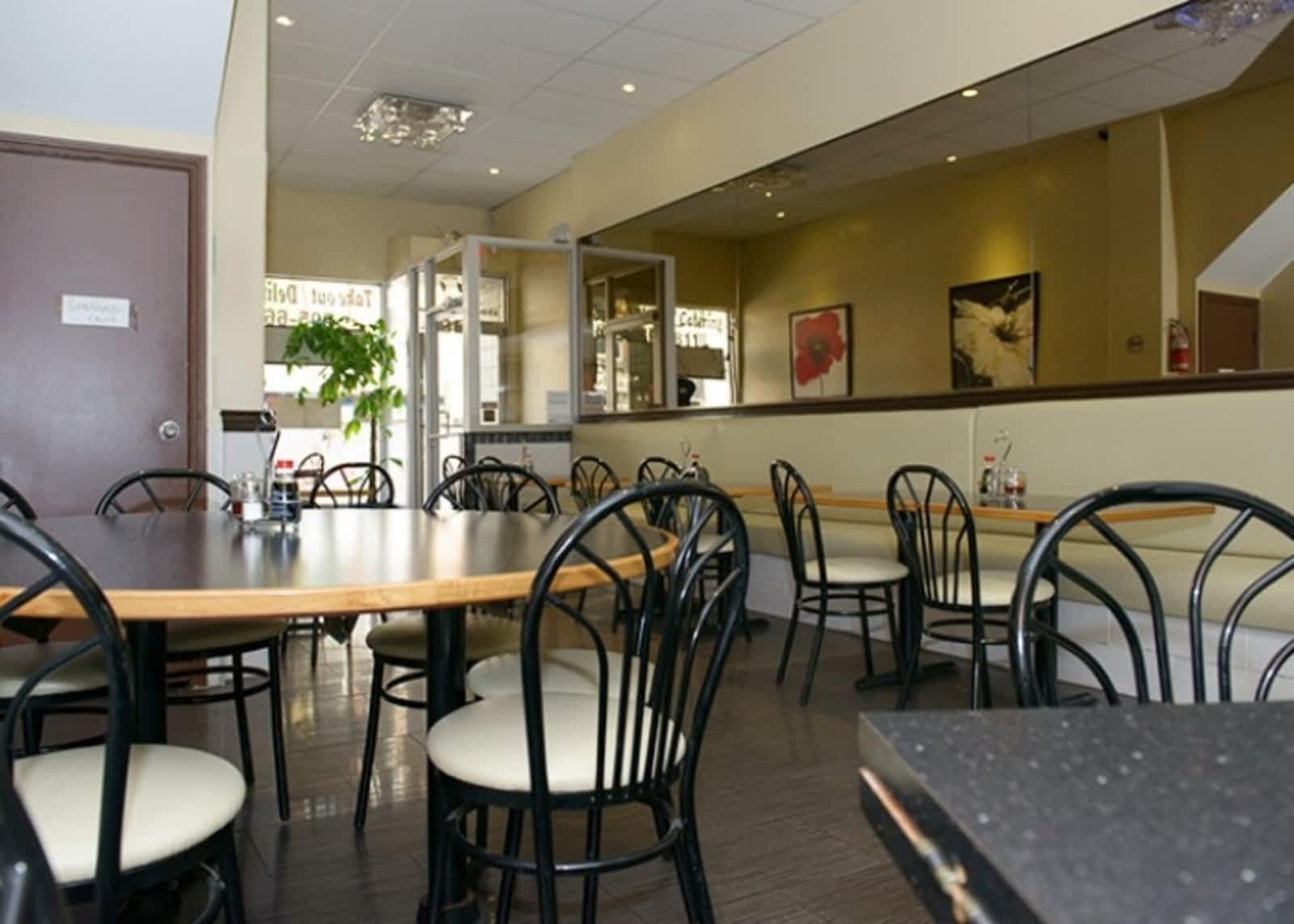 Sams kitchen ltd menu hours prices 114 brock st s whitby on