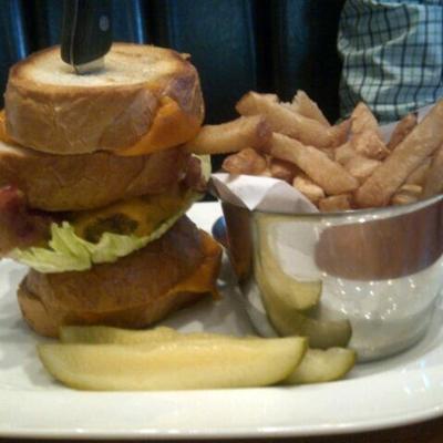 Browns Socialhouse - Restaurants - 604-474-3255