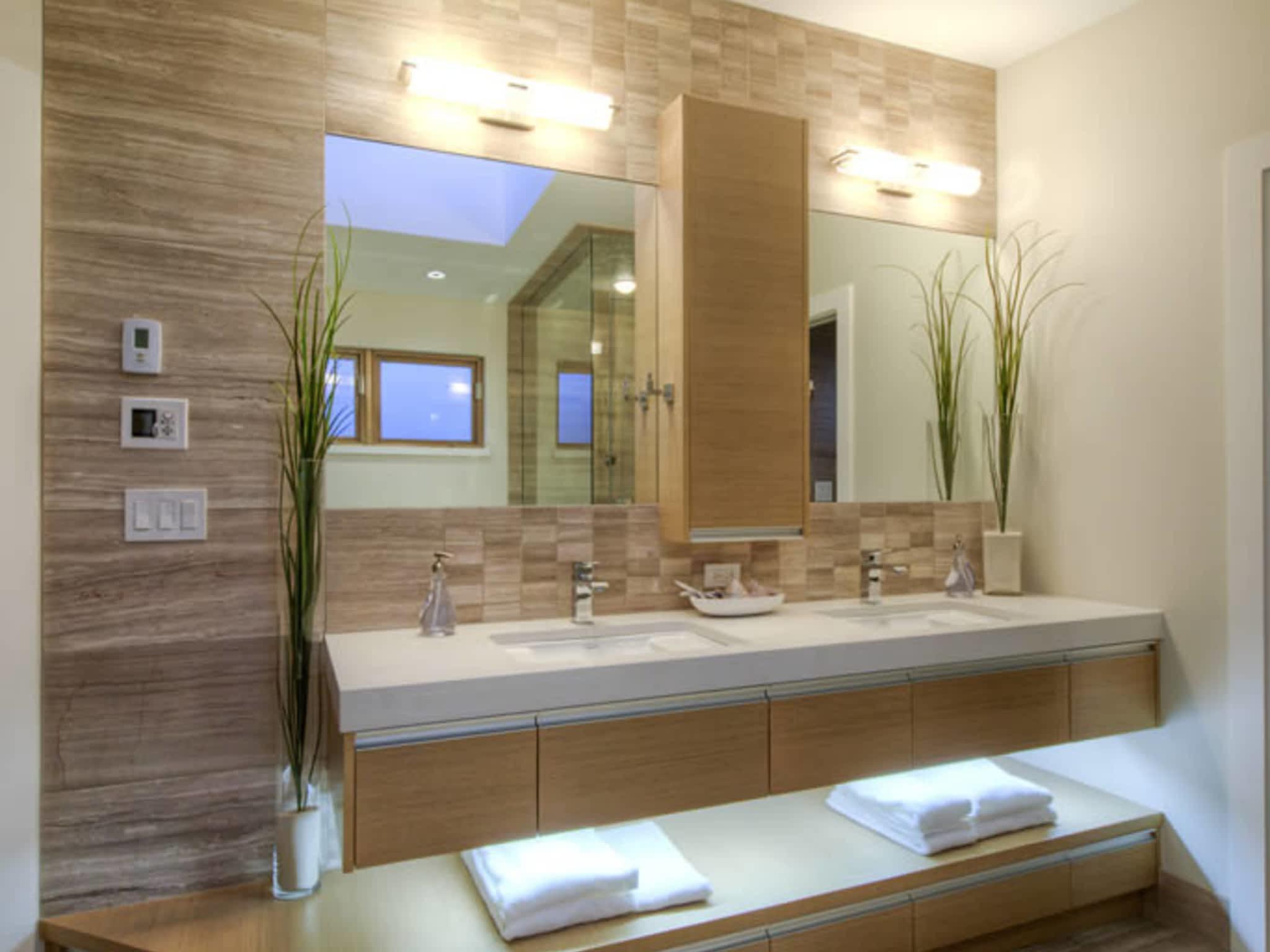 photo Innovative Kitchens & Bath Ltd
