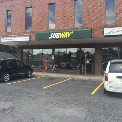 Subway - Restaurants - 450-466-4948