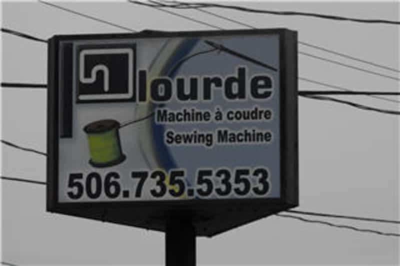 Plourde machine a coudre edmundston nb 226 rue for Machine a coudre victoria