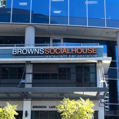 Browns Socialhouse - Restaurants