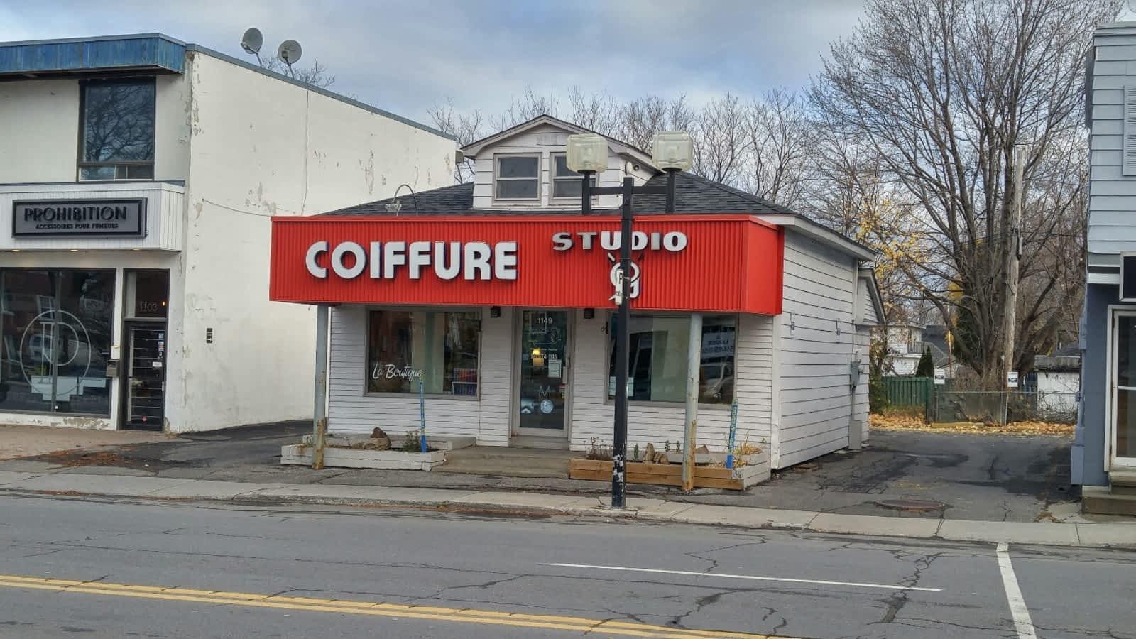 Salon de coiffure studio g horaire d 39 ouverture 1149 ch for Horaires bus ligne 29 arles salon