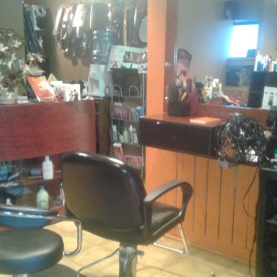Michou Coiffure - Hairdressers & Beauty Salons - 450-761-9933