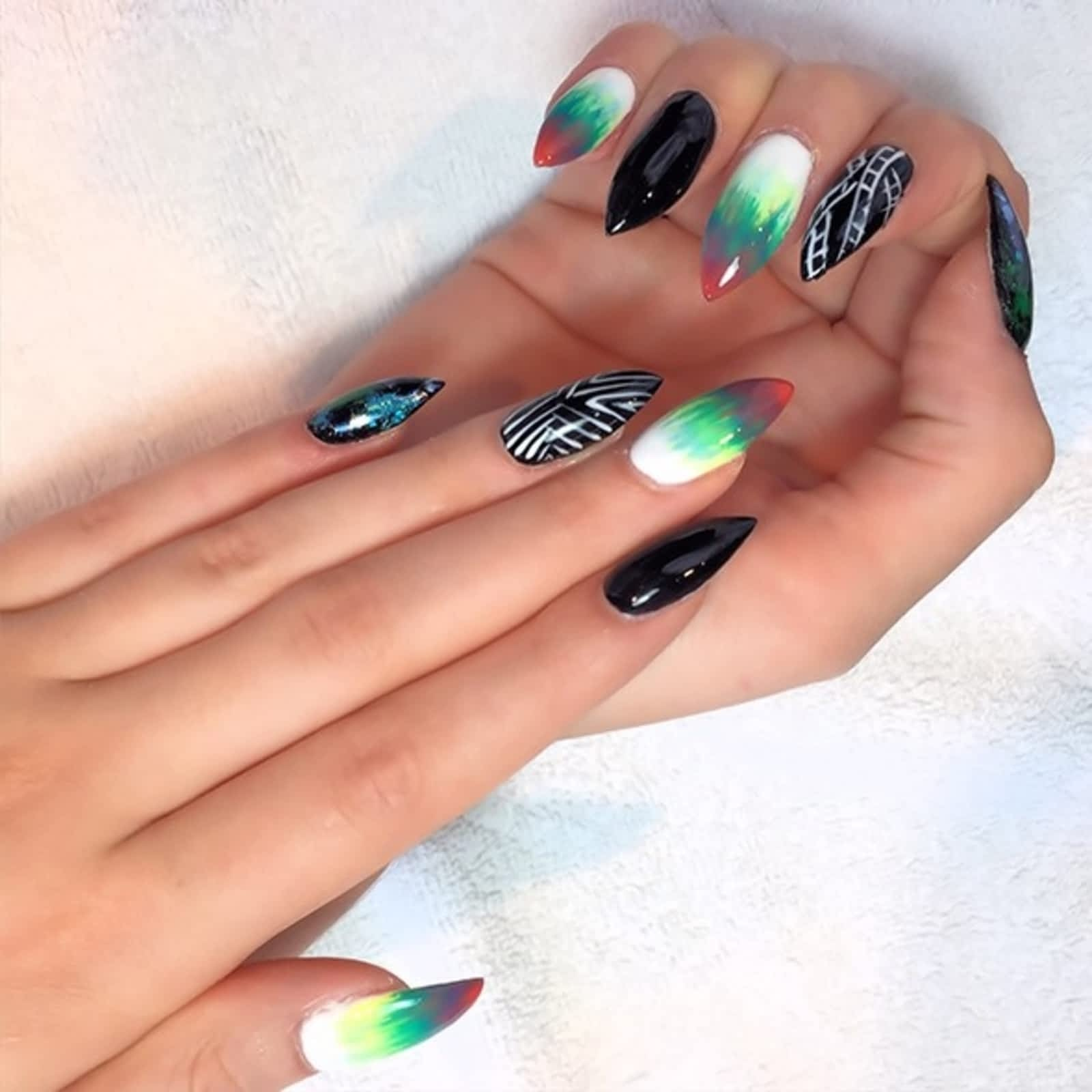 Exquisite Nails & Spa Ltd - Opening Hours - 347 17 Ave SW, Calgary, AB