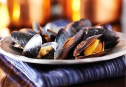 Pry open the best mussels in Toronto at these restaurants