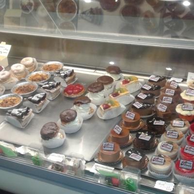 Pâtisserie Beau Tilleul Inc - Pastry Shops
