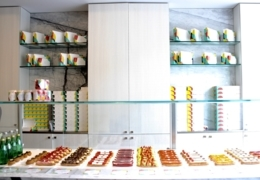 Where to get éclairs in Toronto