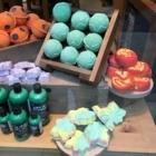 Lush Fresh Handmade Cosmetics - Hairdressers & Beauty Salons - 450-902-5874