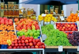 Grocery stores in the Beaches that deliver the goods