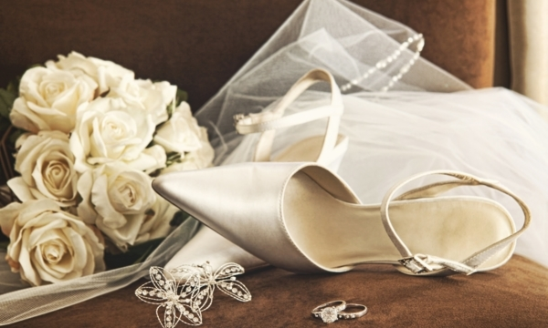Vancouver bridal boutiques for wedding accessories