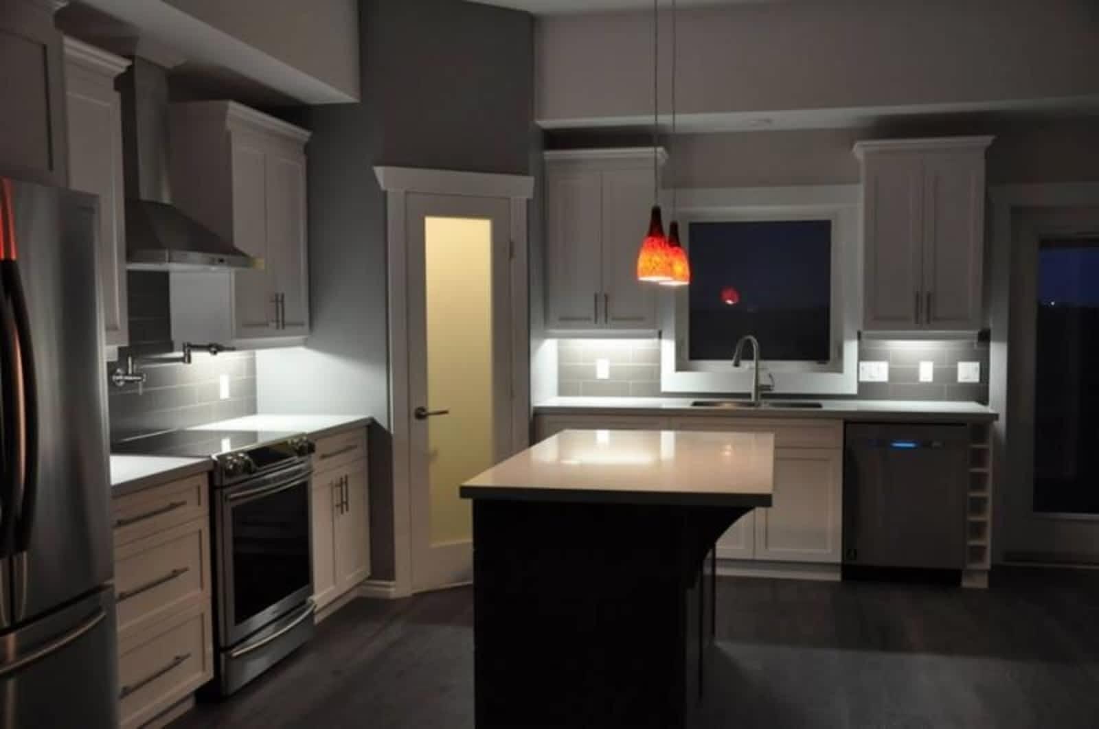 Springfield Woodworking Kitchen Opening Hours 893 Redonda St Winnipeg Mb