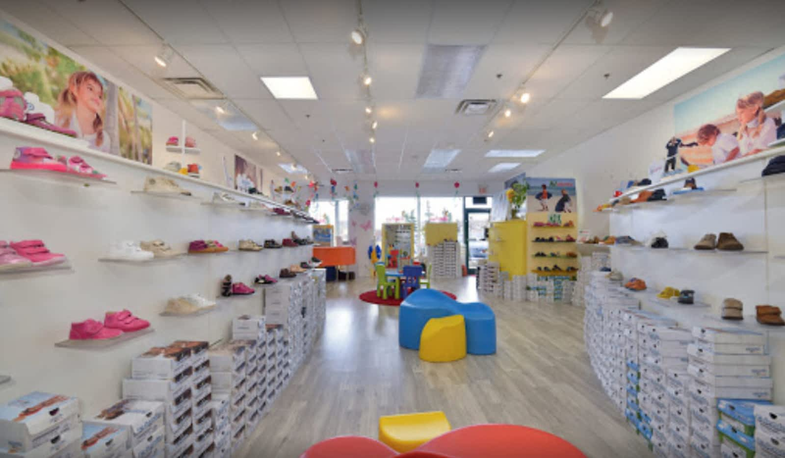 super popular fca24 cf863 Naturino Children s Shoe Factory Outlet - Opening Hours - 6-3600 Langstaff  Rd, Woodbridge, ON
