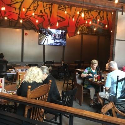 La Belle et La Boeuf - Restaurants américains - 581-742-5454