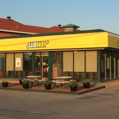 Subway - Sandwiches & Subs - 450-926-2723
