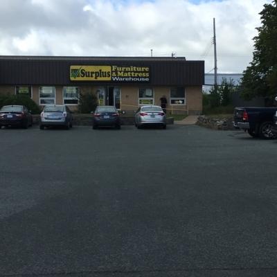 Voir le profil de Surplus Furniture & Mattress Warehouse - Harrietsfield