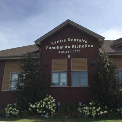 Centre Dentaire Familial Du Richelieu - Dentistes - 450-447-7776