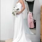 A Touch of Class Fashion Design - Boutiques de mariage