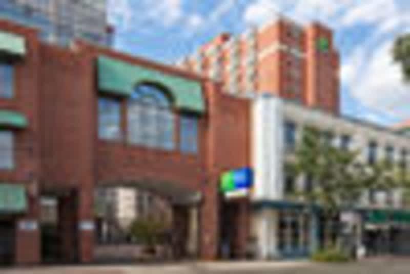 photo Holiday Inn Express Toronto Downtown