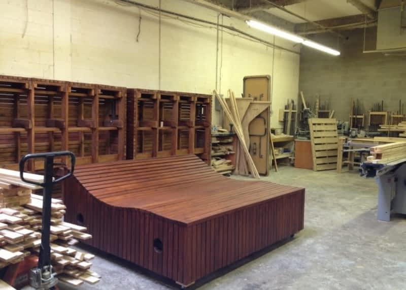 Les ateliers d 39 antoine montr al qc 4800 rue de rouen for 98 degrees tanning salon scarborough