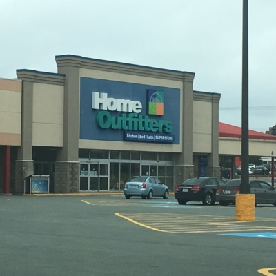 Home Outfitters - Grands magasins - 902-450-0273