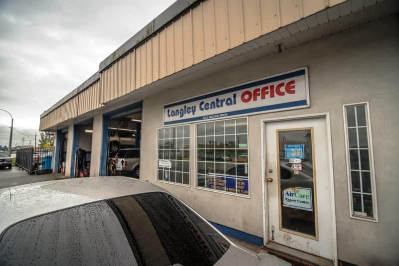 photo Langley Central Auto Service Ltd