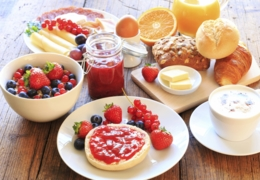 Lovely Edmonton brunches to treat Mom to this Mother's Day