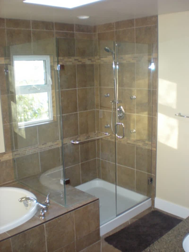 Builder\'s Choice Shower Door - Victoria, BC - 661B Alpha St | Canpages