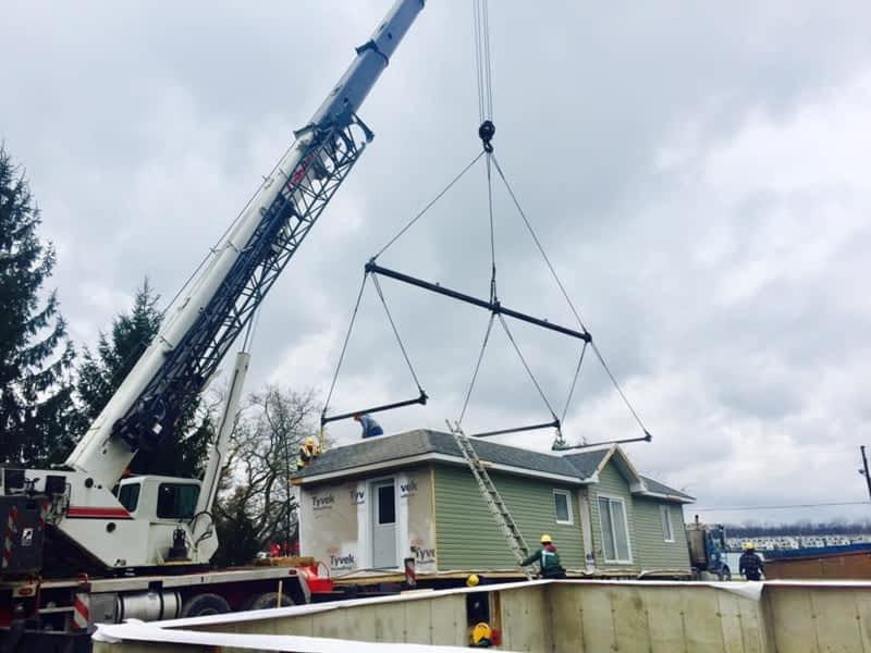 Telescopic Cranes Vancouver : Af hamilton crane rental woodstock on springbank